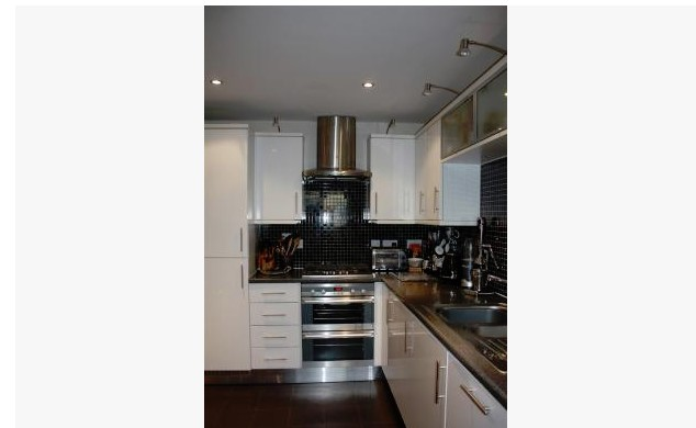 EXAMPLE OF BAD ESTATE AGENCY PHOTOGRAPHY